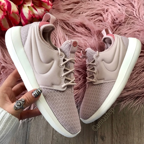 NWT Nike Roshe Two Rare
